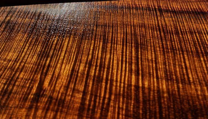 hawaiian koa wood vs walnut wood grain